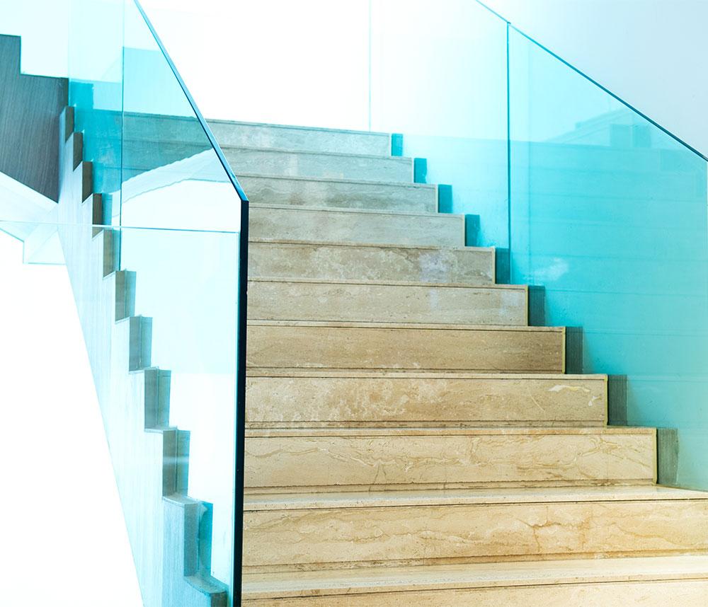 Wir bieten individuelle Glasarbeiten für unterschiedliche Bereiche: